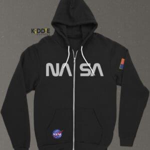 Buzo Estampado Hoodie con Cierre NASA SE – Negro