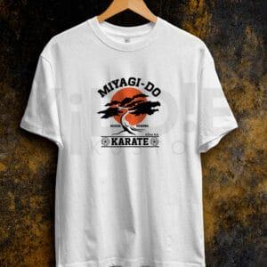 Remera Estampada Unisex Miyagi Do Karate – Blanca