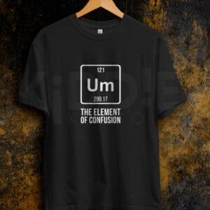 Remera Estampada Unisex Um – The element of Confusion – Negra